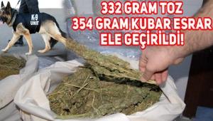 332 gram toz, 354 gram kubar esrar maddesi ele geçirildi.