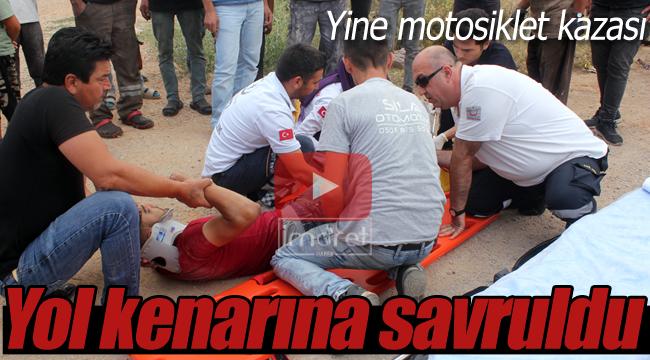 Yol kenarına savrularak yaralandı