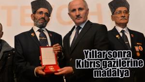 Yıllar sonra Kıbrıs gazilerine madalya