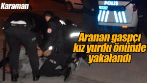 Aranan gaspçı üniversite önünde yakalandı