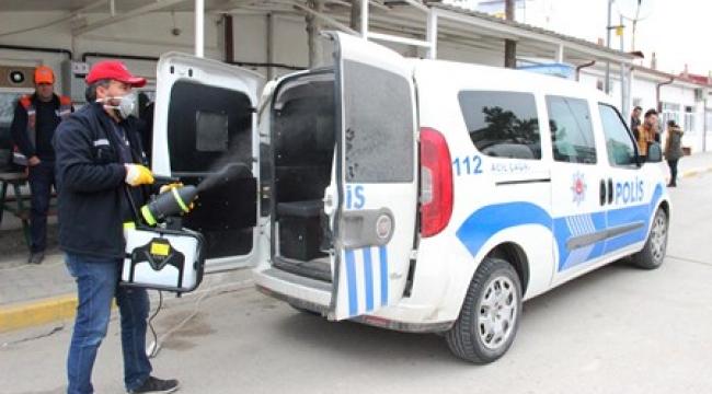 Karaman'da polis araçları korona virüsüne karşı dezenfekte edildi