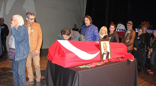 Ünlü sanatçı Kıvanç Uğraşbul son yolculuğuna uğurlandı