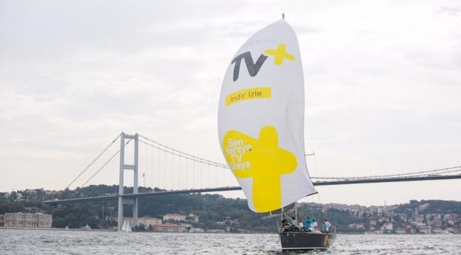 Yelkenler İstanbul Boğazı'nda açıldı