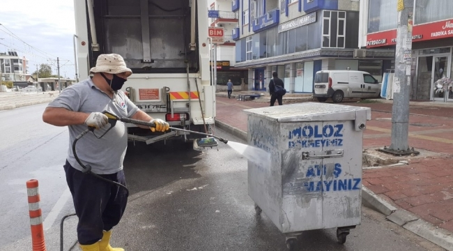 Kepez'de 3 ayda 14 bin çöp konteynerinin dezenfekte işlemi gerçekleştirildi