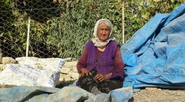 """Madende oğlunu, Covid-19'dan eşini kaybeden Ayşe Gökçe: """"Gittiler hep, beni götürmediler"""""""