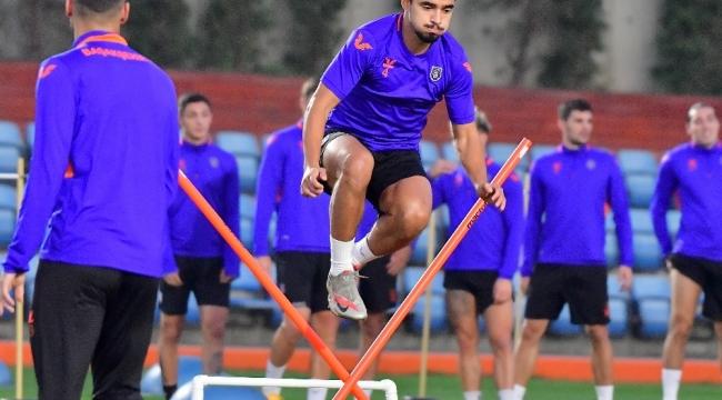 Medipol Başakşehir, PSG maçı hazırlıklarına başladı