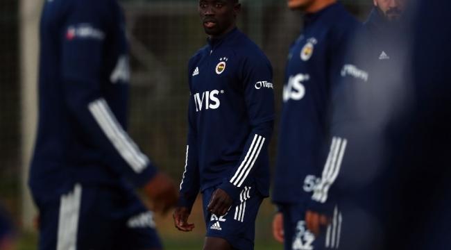 Fenerbahçe, Beşiktaş derbisi için kampa girdi