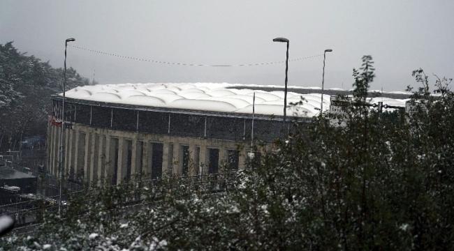 Vodafone Park'ta kar yağışı devam ediyor - SPOR - Karaman ...