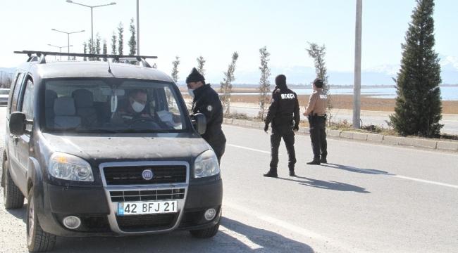 Beyşehir'de sokağa çıkma kısıtlamasına uymayanlara ceza uygulandı