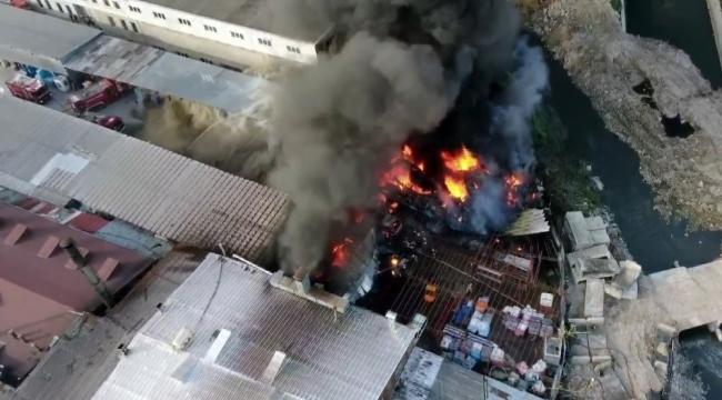 Geri dönüşüm tesisinde yangın: Dumanlar gökyüzünü kapladı