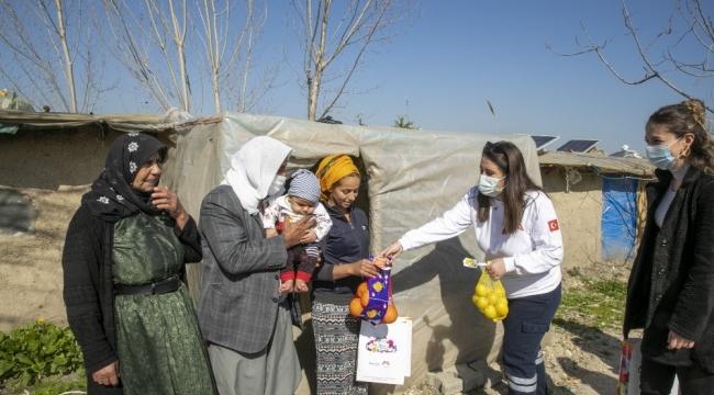 Büyükşehir Belediyesinden tarım işçilerine hijyen kiti ve narenciye paketi