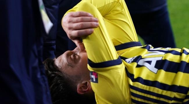 """Mesut Özil: """"Önümüzdeki maçlarda takımımıza yardımcı olamayacağım için çok üzgünüm"""""""