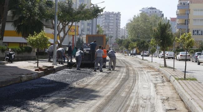 Çınarlı Caddesi'ne sıcak asfalt çalışması