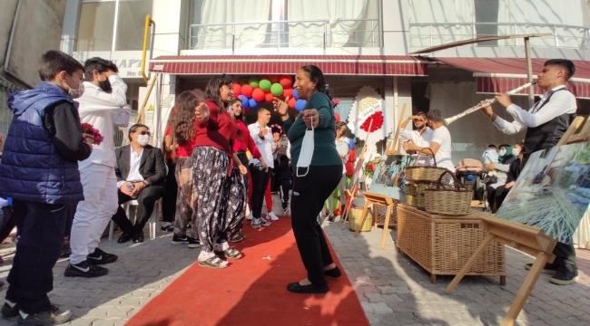 Mersin'de renkli '8 Nisan Dünya Romanlar Günü' etkinliği