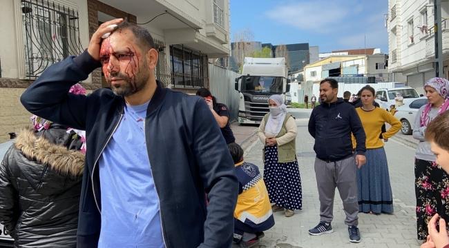 """""""Top arabama çarptı"""" kavgasında kan aktı: Baltalı sopalı kavgada 5 kişi yaralandı"""