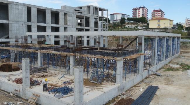 Serik Kültür Merkezi bünyesindeki düğün salonu inşaatı sürüyor