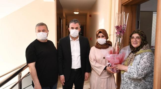 Başkan Ertuğrul Çetin'den Anneler Günü'nde anlamlı ziyaret