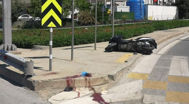 Bostancı'da kasksız motosiklet sürücüsü kazada öldü