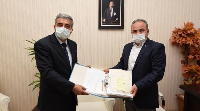 Osmanlı ve Cumhuriyet Dönemine ait belgeler Kent Arşivine bağışlandı
