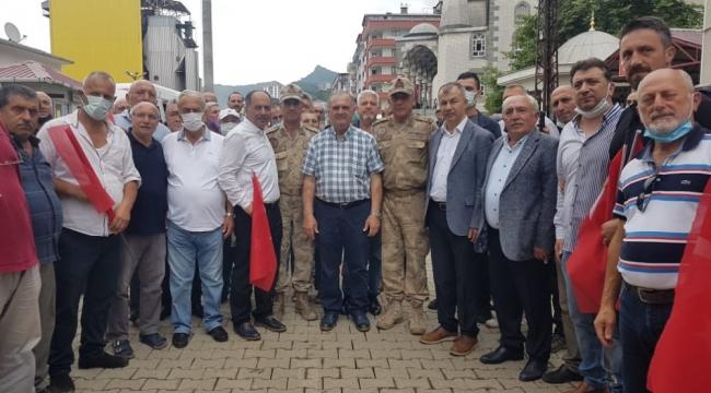 Arhavi'deki 1 haftalık sel görevi sona eren komandolar birliklerine uğurlandı