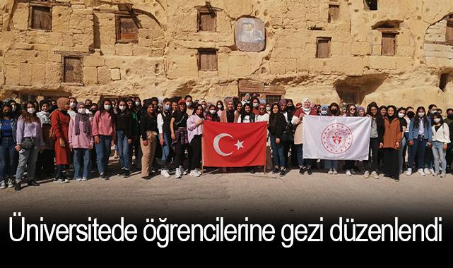 Üniversitede öğrencilerine gezi düzenlendi