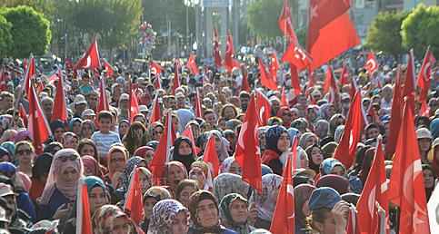 Binler Aktekke 15 Temmuz Demokrasi Meydanını Doldurdu