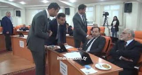 AK Partili meclis üyeleri bir birine girdi
